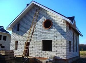 Преимущества строительства загородных домов из пеноблоков